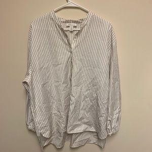 Woman's Nordstrom blouse